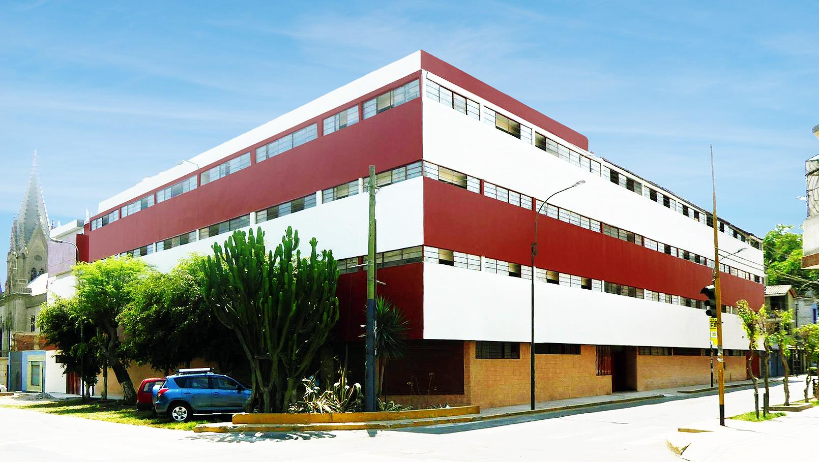 Local central: Calle Enrique Villar 675 (Cruce con Jr. Torres Paz) Santa Beatriz, Lima.
