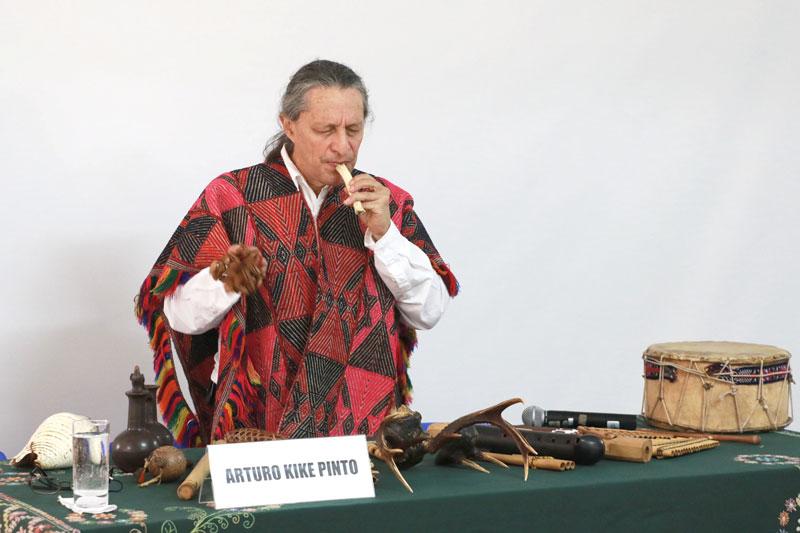 EXPOSICIÓN DE INSTRUMENTOS MUSICALES ANDINOS Y AMAZÓNICOS